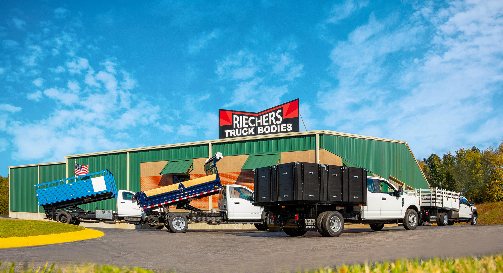 Picture of: Custom Truck Bodies Truck Beds By Riechers Truck Bodies